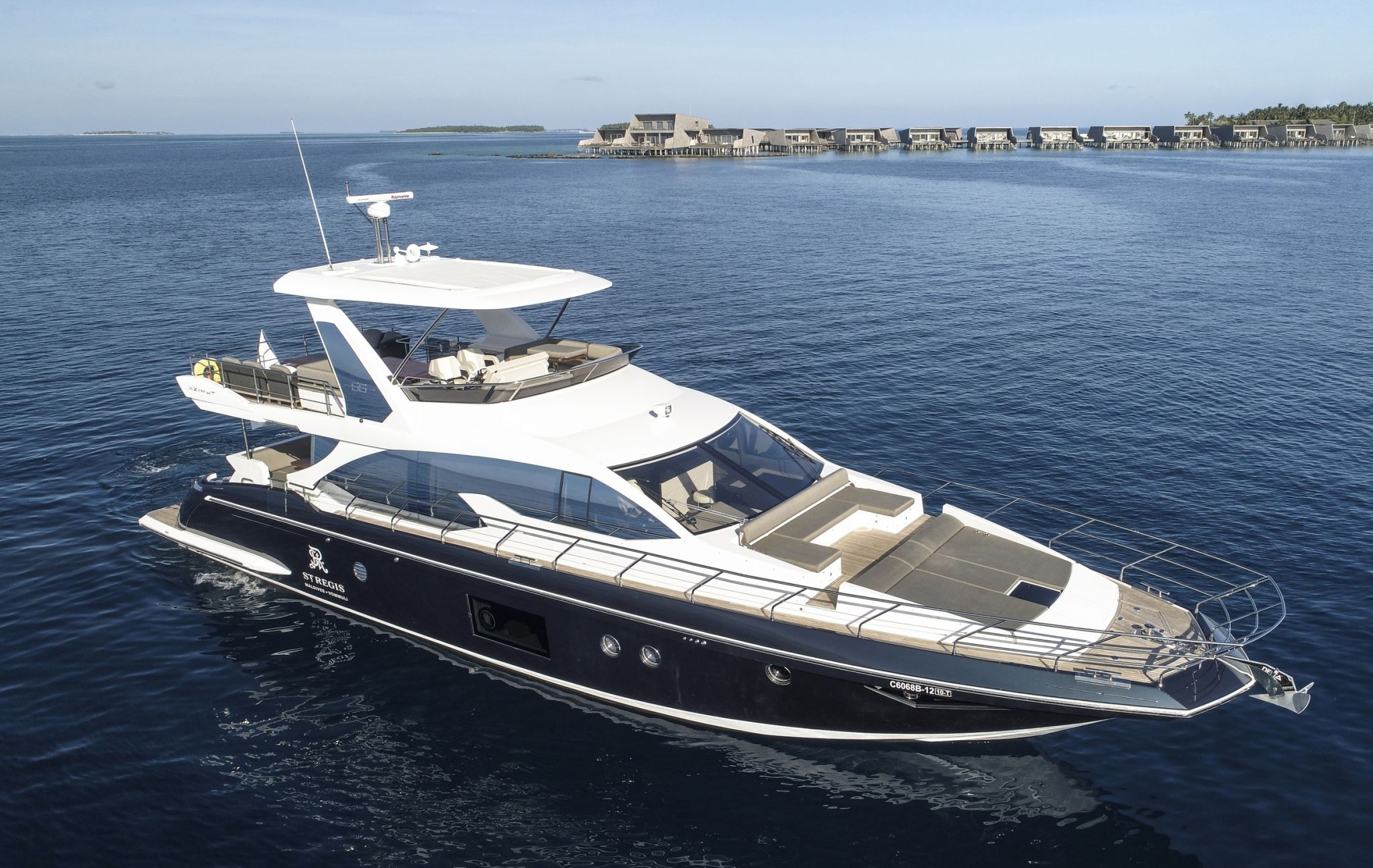 Norma, The St. Regis Maldives' Azimut flybridge 66 yacht